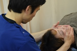 頭蓋骨 施術